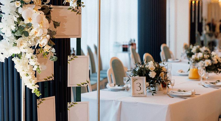 como-organizar-las-mesas-del-banquete-de-boda